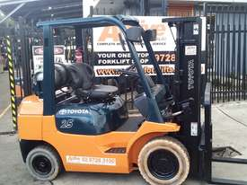 Toyota Forklift 7FG25 Container Mast 4.3m Lift 2.5ton Great Value - picture4' - Click to enlarge
