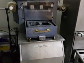 Helix Tray Sealer - picture0' - Click to enlarge