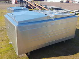 STAINLESS STEEL TANK, MILK VAT 1650 LT - picture2' - Click to enlarge