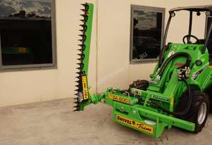 Avant 528 Articulated Loader W/ Slanetrac SA800 Hedge trimmer