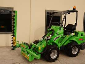 Avant 528 Articulated Loader W/ Slanetrac SA800 Hedge trimmer - picture8' - Click to enlarge