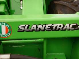 Avant 528 Articulated Loader W/ Slanetrac SA800 Hedge trimmer - picture16' - Click to enlarge