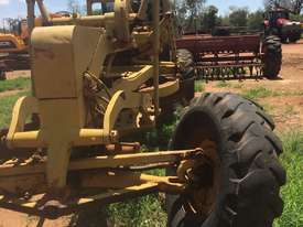 Caterpillar 21F Grader - picture0' - Click to enlarge
