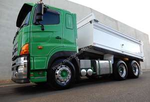 Hino SS - 700 Series Tipping tray Truck