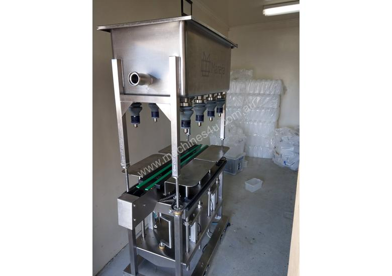 Liquid filling machine 8 heads