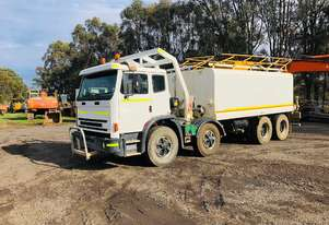 International Acco 2350G Water truck Truck