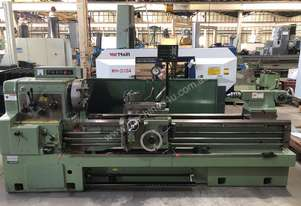 Hwacheon   CENTRE LATHE