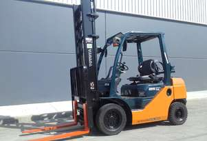 Economy Class 2010 32-8FG25 Dual Fuel Forklift located in Sydney
