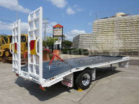 Single Axle Tag Trailer 11 Ton Custom White ATTTAG - picture2' - Click to enlarge