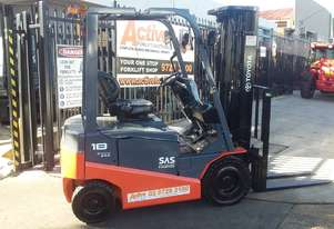 TOYOTA 4 WHEEL ELECTRIC FORKLIFT 1.8 TON 4.7M LIFT CONTAINER MAST 2018