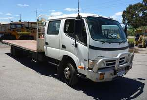 2010 Hino 300 4x2 Dual Cab Flat Bed Truck