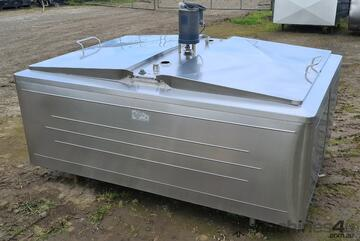 1,600lt STAINLESS STEEL TANK, MILK VAT