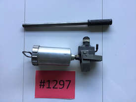 SKF Oil Injector 226400 Manual High Pressure Pump - picture0' - Click to enlarge