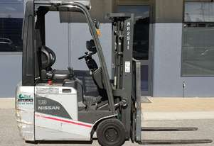 Nissan 3-Wheel 1300kg Battery Electric Forklift with 4300mm Three Stage Container Mast