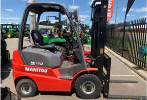 Manitou MI18D - Diesel - side-shift - 4.7m triplex