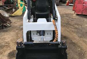 Bobcat   453 4in1 bucket