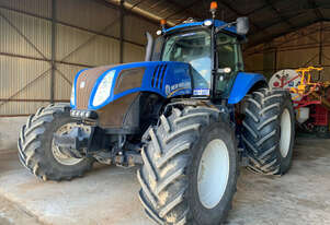 2013 New Holland T8.360 Row Crop Tractors