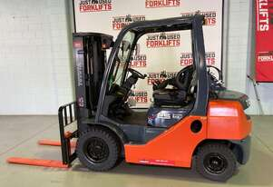 2013 TOYOTA DELUXE 8FG25 40899 LPG GAS FORKLIFT 4500 MM 3 STAGE CONTAINER ENTRY FINGER TIP CONTROLS