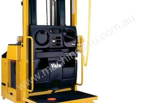 Yale OS030BE NARROW AISLE REACH TRUCKS