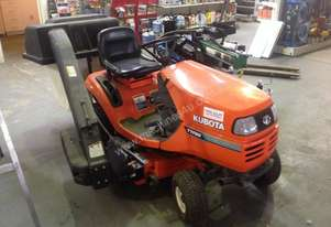 KUBOTA RIDE ON LAWN MOWER WITH CATCHER T1760
