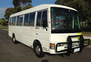 Nissan 1995   CIVILIAN FOR SALE