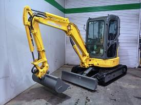 KOMATSU PC30MR-2 AIR CON 3T MINI EXCAVATOR -557