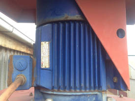 Exhaust fume extraction dust extractor 3 phase 5.5 - picture1' - Click to enlarge
