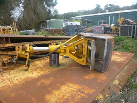 Komatsu PC200 SC-6 Clam shell - picture1' - Click to enlarge