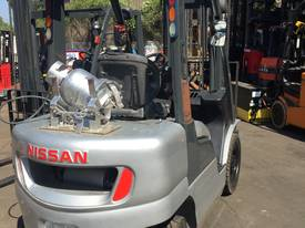 NISSAN Forklift 2.5Ton 4.3m Lift fully Refurbished - picture3' - Click to enlarge
