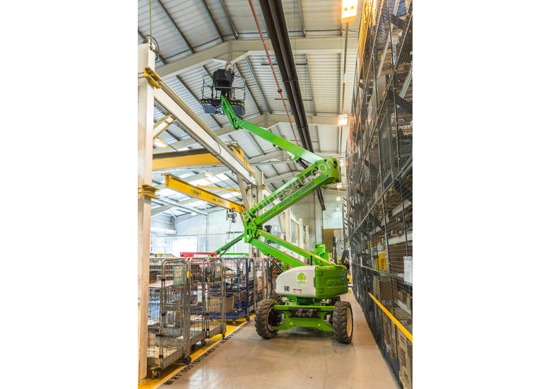Nifty HR17 Hybrid 4x4 Self Propelled Boom Lift - compact and low weight