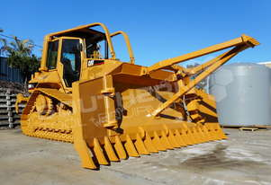 D5N XL Bulldozer w Stick Rake Tree Spear DOZCATM
