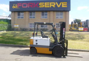 3 Tonne TCM Electric Container Mast Forklift - New Paint, Battery with 12 Months Warranty!
