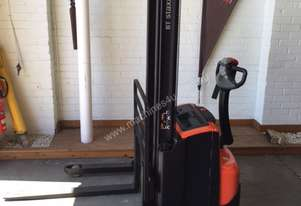 Bt   SWE120S WALKIE STACKER