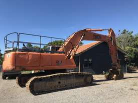 Zaxis 330 Excavator  - picture2' - Click to enlarge