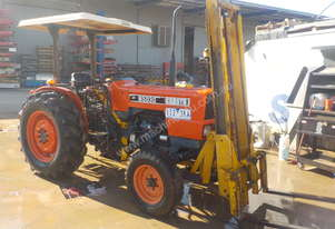 KUBOTA M5030 2WD TRACTOR WITH FORK