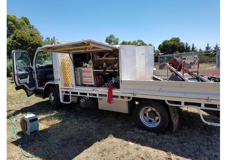 Fuso 815 Mitsubishi 2015  with tray and tool boxes