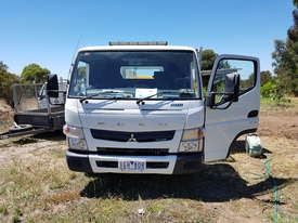 Fuso 815 Mitsubishi 2015  with tray and tool boxes - picture2' - Click to enlarge