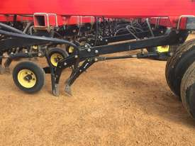 Seed Hawk Unknown Air Seeder Complete Single Brand Seeding/Planting Equip - picture2' - Click to enlarge