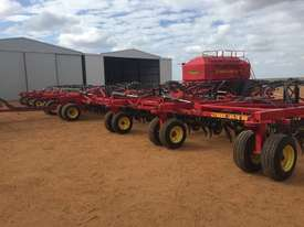Seed Hawk Unknown Air Seeder Complete Single Brand Seeding/Planting Equip - picture3' - Click to enlarge