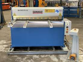 1270mm x 3.5mm Power Guillotine with Calibrated Backguage Volt - picture2' - Click to enlarge