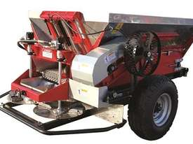 2018 IRIS VIKING 3000 TRAILING BELT SPREADER (3000L) - picture2' - Click to enlarge