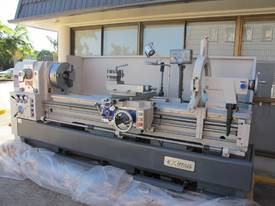 � 560mm Swing Centre Lathe, 104mm Spindle Bore, up to 4m BC - picture3' - Click to enlarge