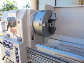 � 560mm Swing Centre Lathe, 104mm Spindle Bore, up to 4m BC - picture6' - Click to enlarge