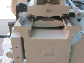 � 560mm Swing Centre Lathe, 104mm Spindle Bore, up to 4m BC - picture11' - Click to enlarge