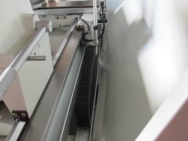 � 560mm Swing Centre Lathe, 104mm Spindle Bore, up to 4m BC - picture14' - Click to enlarge
