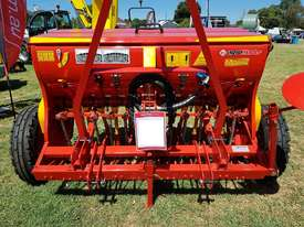 2018 AGROMASTER BM 12 SINGLE DISC SEED DRILL (2.5M) - picture2' - Click to enlarge
