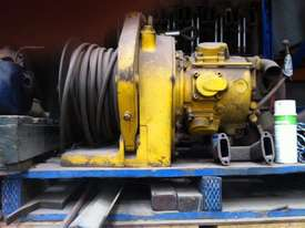 Winches, Pneumatic. - picture1' - Click to enlarge