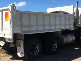 Volvo FM12 Tandem Tipper, rebuilt engine, new paint, Call EMUS - picture2' - Click to enlarge