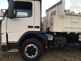 Volvo FM12 Tandem Tipper, rebuilt engine, new paint, Call EMUS - picture5' - Click to enlarge