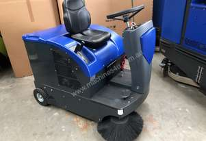 Fiorentini S28 Battery ride on sweeper